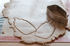 (Almost) Sugar Free Sugar Cookies {KatherineMartinelli.com}