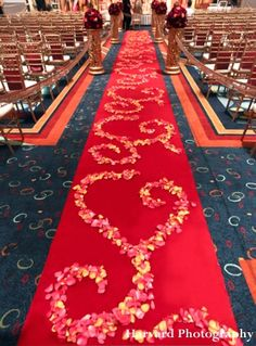 indian-wedding-ceremony-aisle-red-carpet