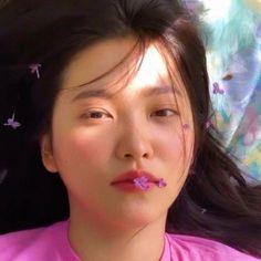 She's so gorgeous, I'm in love:')💜 Kpop Girl Groups, Korean Girl Groups, Kpop Girls, Seulgi, Kpop Aesthetic, Aesthetic Girl, Red Velvet イェリ, Peek A Boo, Kim Yerim