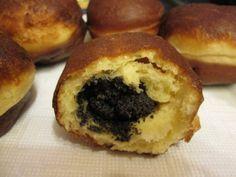 Mákkal, dióval töltött fánk Doughnut, Muffin, Food And Drink, Breakfast, Poppy, Recipes, Morning Coffee, Muffins