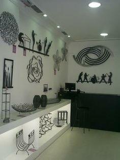 Objetos artesanais fabricados em ferro dão charme à decoração. Na foto, loja Lacordaire Resende - Lacordaire Resende/Divulgação