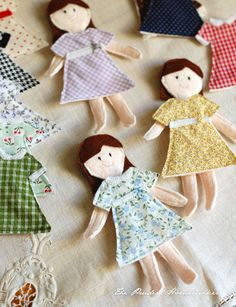 "Felt ""Paper"" Dolls: cute little handmade gift that looks easy to make."