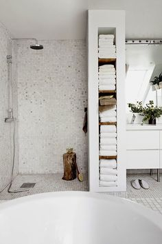 daniella witte all white bathroom for skona hem