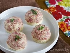 Salami Cheese Spread for sandwiches - Pilar's Chilean Food & Garden Latin American Food, Latin Food, Chilean Recipes, Chilean Food, Party Food Buffet, A Food, Food And Drink, Salami And Cheese, Gourmet Sandwiches