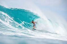 No es que me resbalen los problemas sencillamente utilizo una tabla llamada soluciones ---------------- Mucha queja y poca cabeza ---------------- Fot.: Red Bull / Michel Bourez #oahu #hawaii #usa #eeuu #surf #surfing #surfer #surfstyle #mar #sea #playa #beach #ola #wave #deporte #sport #surfboard #agua #water #oceano #ocean