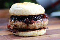 Davids Salsiccia Burger mit Portweinzwiebeln und Bacon vom Bunten Benthe...