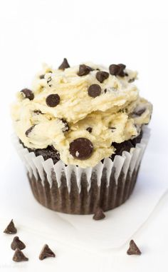 """Chocolate Chip Cookie Dough Cupcakes are exactly what Id like for my birthday, pretty please! Moist gluten free chocolate cake topped with cookie dough frosting. Its a cookie dough lovers dream. Healthy Chocolate Chip Cookies, Gluten Free Chocolate Chip Cookies, Chocolate Chip Cookie Dough, Chocolate Desserts, Frosting Recipes, Cupcake Recipes, Cupcake Cakes, Dessert Recipes, Homemade Frosting"