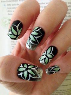 Flowered nail art