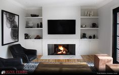 20 inspiring fireplace ideas for your mood enhancerHere we have put together 20 fireplace ideas to improve your mood. Like gas fireplace decorating ideas and other fireplace designs for your inspiration!DIY: electric fireplace with built-in Living Room Decor Fireplace, Fireplace Tv Wall, Family Room Fireplace, Fireplace Bookshelves, Fireplace Built Ins, Fireplace Remodel, Fireplace Design, Living Room Ideas With Fireplace And Tv, Empty Fireplace Ideas