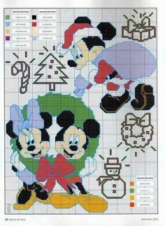 Santa Mickey & Minnie & Mickey in wreath