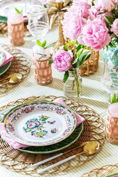 Table Setting Inspiration, Pink Peonies, Peony, Serving Table, Beautiful Table Settings, Peonies Garden, Dinner Table, Dinner Room, Dining Room Design
