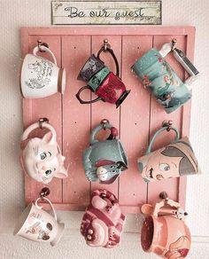 I love Disney mugs! I love Disney mugs! Disney Tassen, Casa Disney, Disney Disney, Disney House, Disney Stuff, Disney Merch, Mug Storage, Deco Disney, Disney Coffee Mugs
