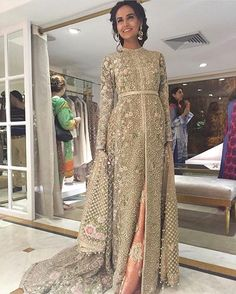 Pakistani couture Mehreen Syed in Faraz Manan Pakistani Couture, Pakistani Wedding Dresses, Pakistani Outfits, Indian Dresses, Indian Outfits, Asian Wedding Dress, Asian Bridal, Bollywood, Outfits