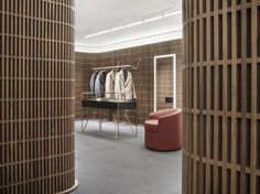 David Chipperfield Architects, founded in has four offices in London, Berlin, Milan and Shanghai. Retail Store Design, Retail Shop, Commercial Interior Design, Bathroom Interior Design, Modegeschäft Design, Window Display Retail, Retail Displays, Shop Displays, Merchandising Displays
