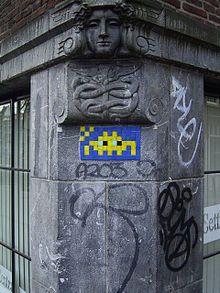 space invader tile street art