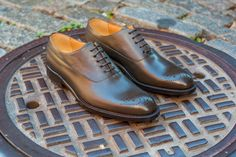 Business out back, party up front – the Jasper medallion-toe-oxford is the footwear equivalent of a Vegas nightclub. He's also much more versatile than people give him credit for (try him with a tux). This Goodyear constructed shoe is complete with a full-grain calfskin upper and leather outsole. Free shipping & returns!