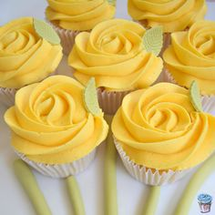Vanilla cupcakes with yellow rose buttercream - Mother's Day 2016