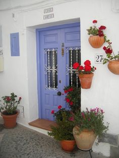 Nice blue door in Frigiliana, an extremely pretty village which has received several awards for beauty and conservation... a nice place for your bucketlist? ....  http://www.andalusie-zeezicht.nl/