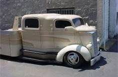What a customise truck! Hot Rod Trucks, Diesel Trucks, Cool Trucks, Chevy Trucks, Pickup Trucks, Classic Trucks, Classic Cars, Old Pickup, Cab Over