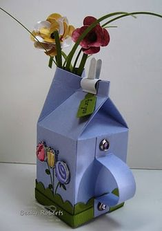 Inking Idaho: Mini Milk Carton Watering Can - Stampin' Up mini Milk carton die… 3d Paper Crafts, Paper Gifts, Diy And Crafts, Mini Milk, Milk Box, Diy Projects To Try, Craft Projects, Milk Carton Crafts, Rena