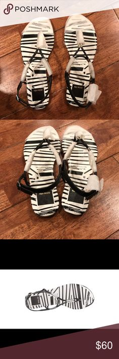Dolce Vita Black and White Flat Sandals New, boxed Dolce Vita Shoes Sandals
