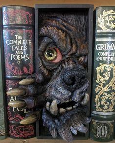 """Book Nook"" Shelf Inserts That Are Adding Miniature Magic to Bookshelves Sculptures, Lion Sculpture, Harry Potter, 3d Prints, Book Nooks, Altered Books, Altered Tins, Altered Art, Book Crafts"