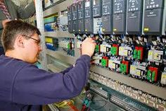miningmachinetraining: DULLSTROOM ELECTRICAL ENGINEERING TRAINING,CALL +2... Simple Electronics, Electronics Projects, Welding Courses, Filter, Education And Training, Tech Gifts, Training Center, Electrical Engineering, Industry Sectors