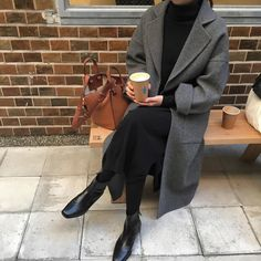 ideas for fashion inspiration fall minimal chic - Inspo moda - Kleidung Minimal Chic, Minimal Fashion, Minimal Outfit, Minimal Classic, Mode Ootd, Mode Hijab, Mode Outfits, Fashion Outfits, Fashion Trends