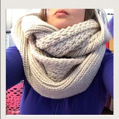 ❄️Snow day infinity scarf! Amazing infinity scarf! So soft and thick, really beautiful Three Bird Nest Accessories Scarves & Wraps