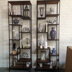 If you have #accessories that you want to be seen and admired, open shelving units are the way to go! What do you think of these #showcase shelves? #InsideStyle #BlackandWhite