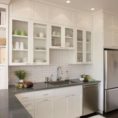 New kitchen shelves with baskets countertops ideas Shaker Kitchen Cabinets, Kitchen Shelves, Kitchen Tiles, Kitchen Layout, Kitchen Colors, Kitchen Flooring, Kitchen Decor, Glass Shelves, Open Shelves