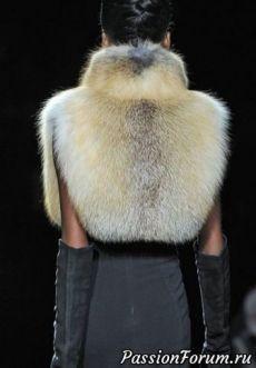 Fur boa]]] I liked the unusual style ! fur # sewing # fashion Source by gashapetrovskay Fur Fashion, Winter Fashion, Fashion Outfits, Womens Fashion, Fur Coat Outfit, Fur Accessories, Fabulous Furs, Fake Fur, Vintage Fur