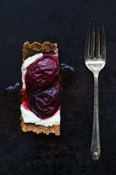 No-bake plum tart with mascarpone, thyme, and gingersnap crust.