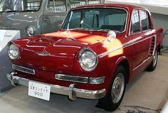 Hino Contessa 900 Sedan