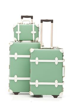Can't tell you all how much I want this... The Correspondent Complete Green Luggage Set - Steamline Luggage - Steamline Luggage