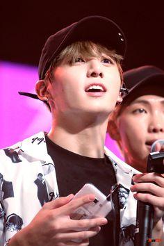 Jungkook at Music Bank Singapore 170804 Bts France, Bangtan France, Busan, Bts Music Bank, Rapper, Hip Hop, Jeon Jeongguk, Kpop, Bts Bangtan Boy
