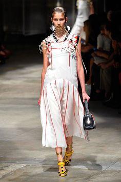 Prada spring/summer 2016 collection show pictures | Harper's Bazaar
