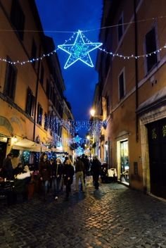 Christmas decorations in Trastevere