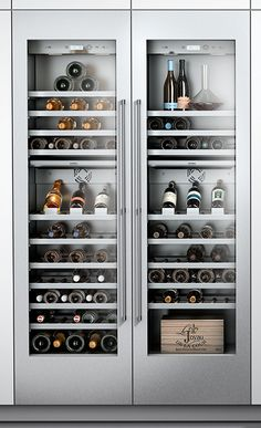With its lavish LED lighting concept and perfected details, the new Gaggenau Vario cooling 400 Series offers all the benefits of modern storage technology. The Read Luxury Kitchen Design, Best Kitchen Designs, Luxury Kitchens, Cool Kitchens, Cave A Vin Design, Kitchen Living, Kitchen Decor, Wine Cellar Design, Wine Cabinets