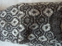 Faroese sweater: shoulder join and sleeve cap