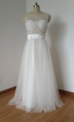 Tidetell.com Lovely Scoop A-line Floor Length Tulle White Prom Dress With Lace