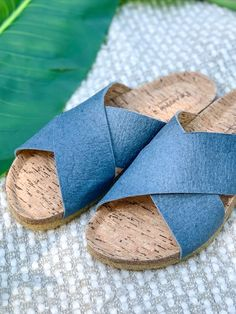 Slide into summer with our 100% vegan, Pina sandals! Made from eco-friendly pineapple fiber Pinatex and a natural rubber outsole! #BearpawShoes