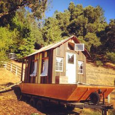 Shanty Boat: On the Eve of the Secret History of American River People Expedition Tiny Boat, Shanty Boat, Lakefront Property, Wooden Boat Plans, Boat Building Plans, Wood Boats, Plywood Boat, Floating House, Floating Dock