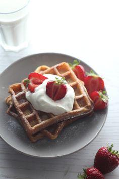 Cinnamon&Vanilla Waffles via:www.migalhadoce.com