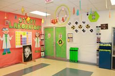 Checkout this great post on Bulletin Board Ideas!....Great look for my Science Theme Room for the New School Year