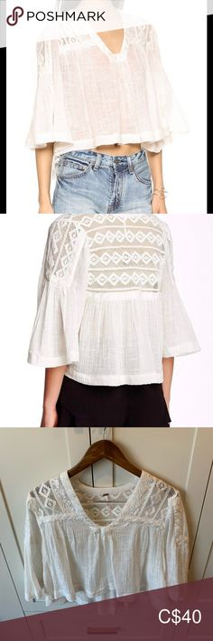 Free People Boho Top This ivory top is sheer, has crochet lace shoulders/back and belled sleeves. It's very flowy, is slightly cropped and slightly high/low. It's 100% cotton - very lightweight.   It does not appear to have been worn. It's in excellent condition. Free People Tops Blouses Plus Fashion, Fashion Tips, Fashion Trends, Boho Tops, Crochet Lace, Free People Tops, High Low, Ivory, Blouses