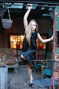 http://4couplesonly.digimkts.com OMG I love this Jemima Kirke / Parent: Simon Kirke (Free, Bad Company)