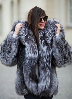 Home of Fur Fetish Fur Fashion, Winter Fashion, Womens Fashion, Hermes Kelly Bag, Fabulous Fox, Fox Fur Coat, Fur Coats, Indian Summer, Elegant Woman