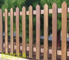 Fábrica de Idéias - Tudo em Paisagismo e Decoração: Cercas No Jardim Mais Wood Fence Design, Gate Design, Backyard Fences, Fenced In Yard, Building A Gate, Garden Gates And Fencing, Country Fences, Wooden Gates, Pallet Fence