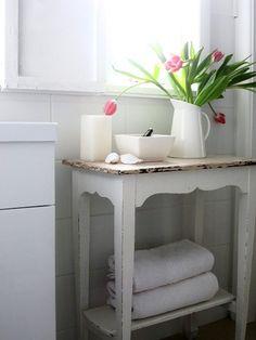 beach cottage bathrooms | Beach Cottage Bathroom Trash to Treasure Makeover | Odd's & Sod's